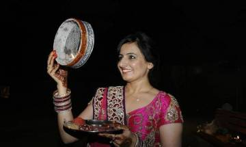 Karwa Chauth 2017: Everything you should know about significance, moonrise timing, Puja Vidhi, Muhurat