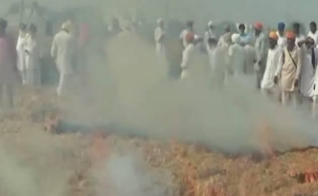 Delhi pollution to worsen in festive season; Punjab farmers start burning stubble. (Source: ANI)
