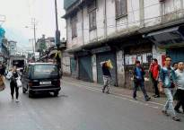 Darjeeling unrest: Sub-inspector shot dead as clashes erupt between Gorkha JanMukti Morcha and Police