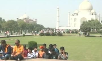 Hindu Yuva Vahini activists recite 'Shiva Chalisa' in Taj Mahal, detained by CISF