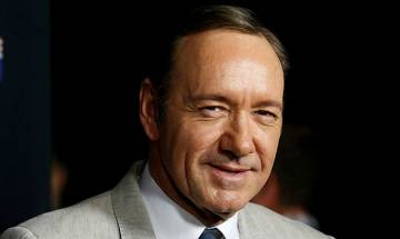 Netflix suspends Kevin Spacey from 'House of Cards'