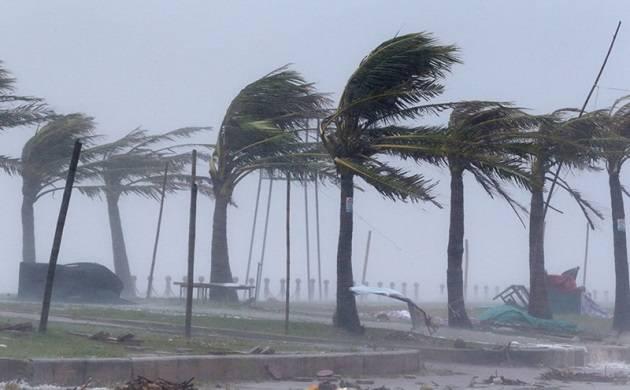 Typhoon Damrey hits Vietnam, more than a dozen people dead