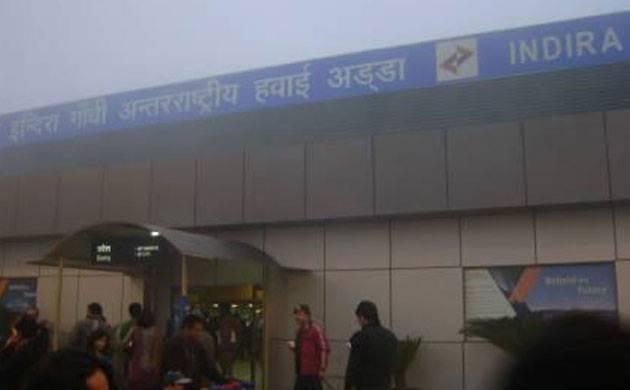 Dense smog hampers visibility at Delhi airport; 300 flights delayed (Image: PTI)