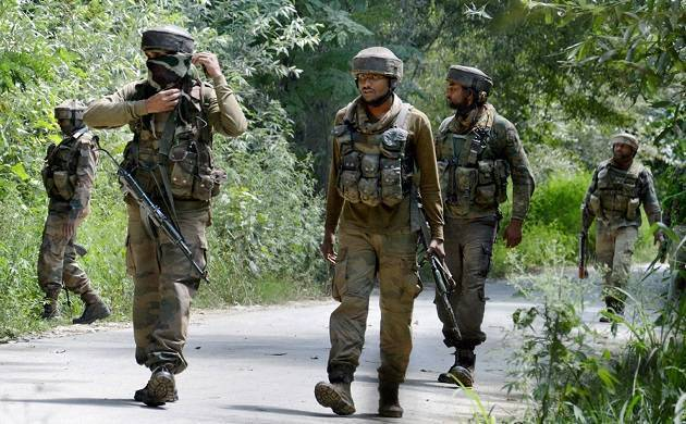 Anantnag terrorist attack: Militants attack police patrolling party near district commissioner officer, one security personnel injured. (File Photo)