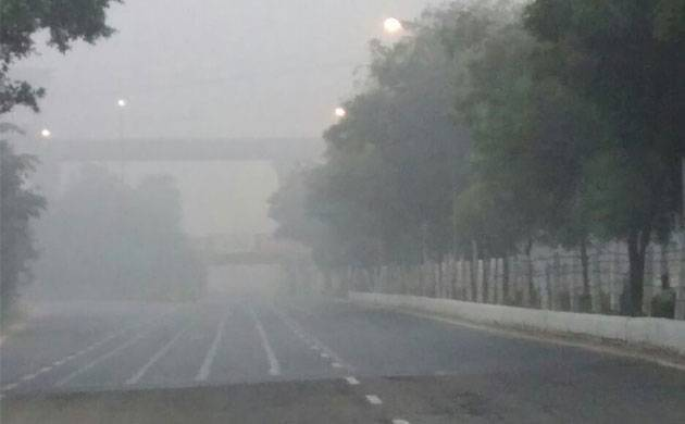 Delhi smog: All entry points of heavy vehicles sealed from Nov 9-12 (File Photo)