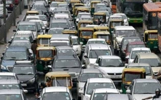AAP says odd-even called off because safety of women can't be risked (Image: PTI)