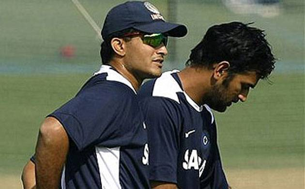 Ganguly advises under-fire Dhoni to approach T20s differently