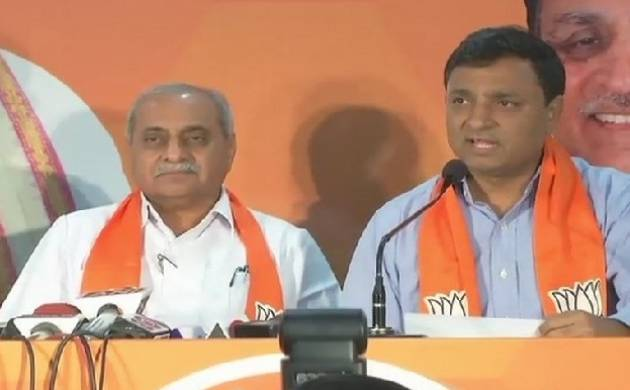 Gujarat Assembly elections 2017: Hardik Patel's former aide Chirag Patel joins BJP (Source: ANI)