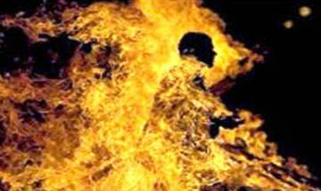 Hyderabad: Two women set drunk husband ablaze