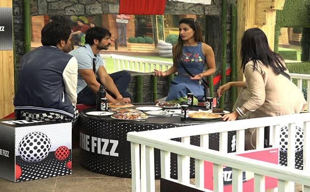 Bigg Boss 11: Vikas Gupta, Hiten Tejwani & Arshi Khan gang up against THIS contestant