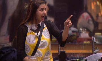 Bigg Boss 11: Shilpa Shinde's brother alleges Hina Khan as 'unfair'