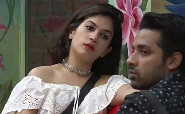 Bigg Boss 11: Bandgi Kalra demand a break up from Puneesh Sharma (watch video)