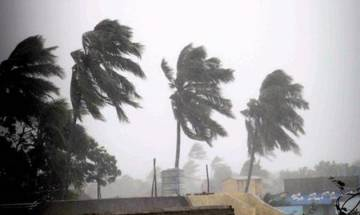 Cyclone Ockhi claims 5 lives in Tamil Nadu, Kerala; likely to turn severe