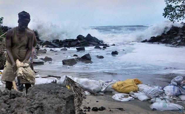 Cyclone Ockhi dissipates, Gujarat spared