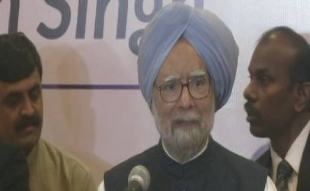Manmohan criticises NDA govt, says PM Modi does not act against corrupts