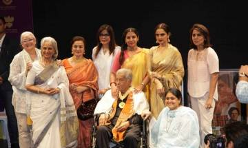 Shashi Kapoor's leading actresses pour in for legend's prayer meet