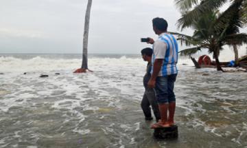 Cyclone Ockhi: Over 600 fishermen of TN, Kerala still missing