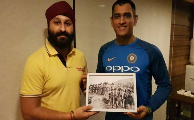 Dhoni presented with Battle of Gallipoli picture, recalls Indian heroes of WW1