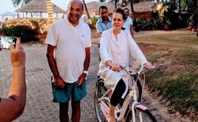 As Rahul takes to work, Sonia Gandhi goes on vacation (Source: Twitter/Ritesh Deshmukh)