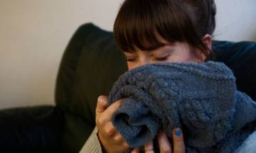 Women who smell their male partner's clothes beat stress easily, says study