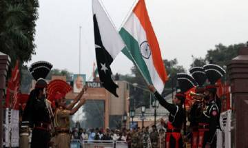 Pakistan defence minister says US trying to convince Islamabad that India is not a threat