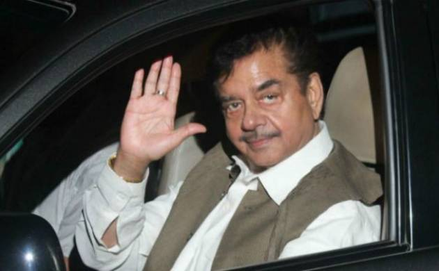 Shatrughan Sinha backed the AAP over the disqualification of its 20 MLAs (File Photo)