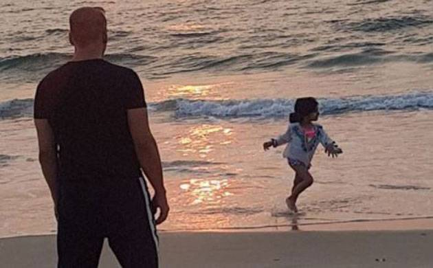 This Akshay Kumar and Nitara beach moment in Goa is just too CUTE to be true (Source- Twinkle Khanna's Insta)