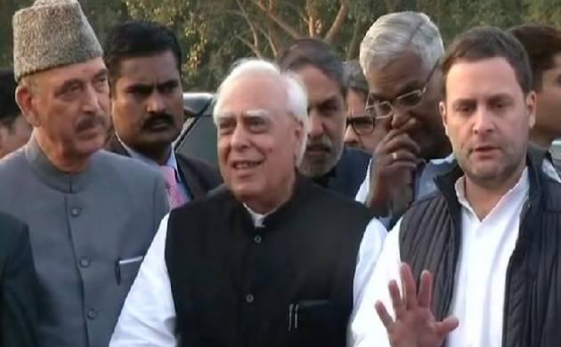 Judge Loya death: Rahul Gandhi leads Opposition MPs to meet President Kovind, ask for SIT probe