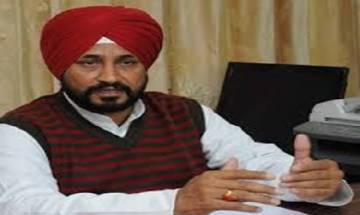 Punjab education minister flips coin to decide on posting of lecturers, Congress backs him