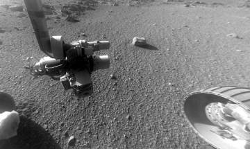 NASA's Opportunity rover completes 5000 days on Mars, celebrates by taking selfie