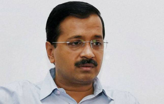 Police seizes hard disk from Kejriwal's house; CM knocks on LG's doors