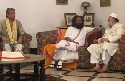 Ram Mandir Issue: Sri Sri meets Maulana Nadvi, says 'lot of cooperation from Muslim community'