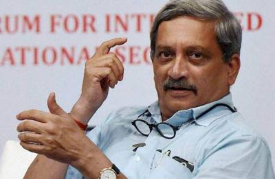 Manohar Parrikar leaves for US for specialised medical treatment from Mumbai's Lilavati Hospital