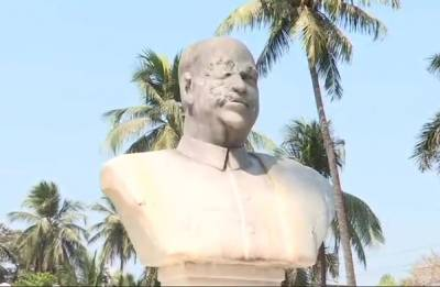 CPM workers vandalise Jana Sangh founder SP Mukherjee's statue in Bengal, six people detained