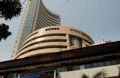 Sensex spurts 318 points on value-buying