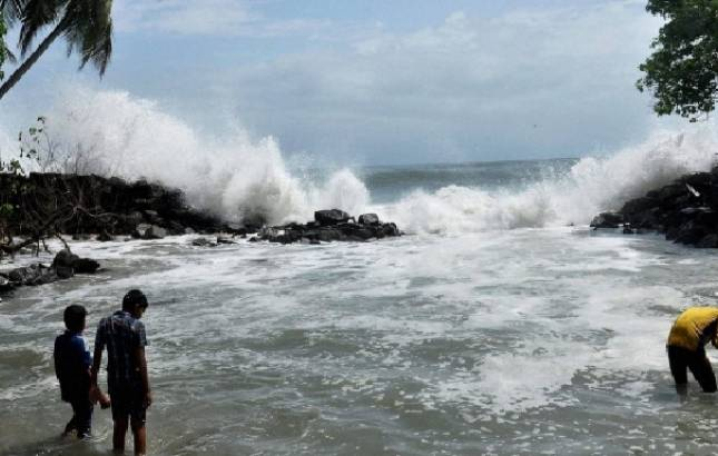 Kerala on high alert after depression in Arabian Sea deepens; fishermen warned not to venture into sea (File Photo/Source: PTI)