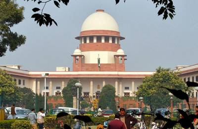 Supreme Court suspends HC order asking EC to allot symbol to AIADMK faction
