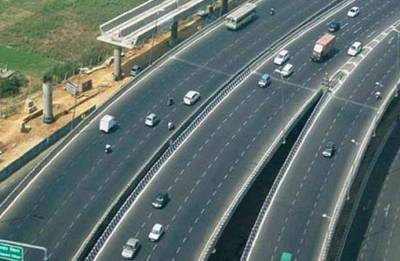 NHAI awarded projects worth Rs 1.22 lakh crore in FY18