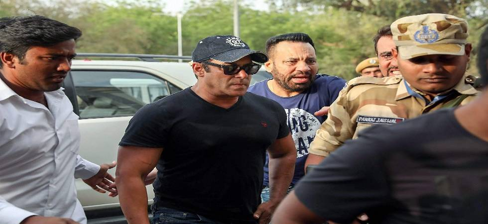 Salman Khan arrives at Jodhpur airport after he was granted bail in the Blackbuck poaching case. (Source: PTI)