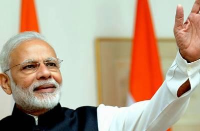 Modi praises Union secretary at 'Swachh Bharat' event