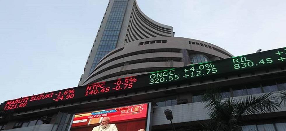 Sensex tanks 293 points on weak Asian cues; Nifty below 10,400-mark (File Photo)