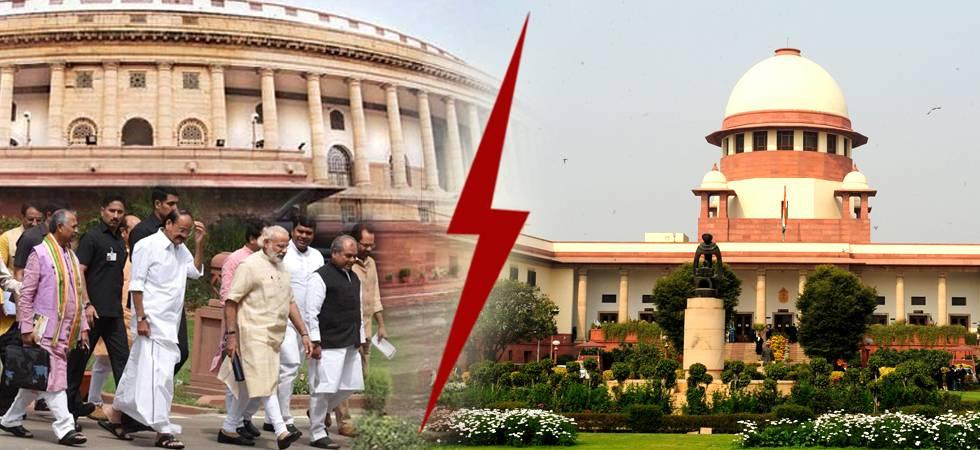 Battle lines drawn, two powerful pillars of democracy shaking (Illustration: Ramesh Negi/ News Nation)