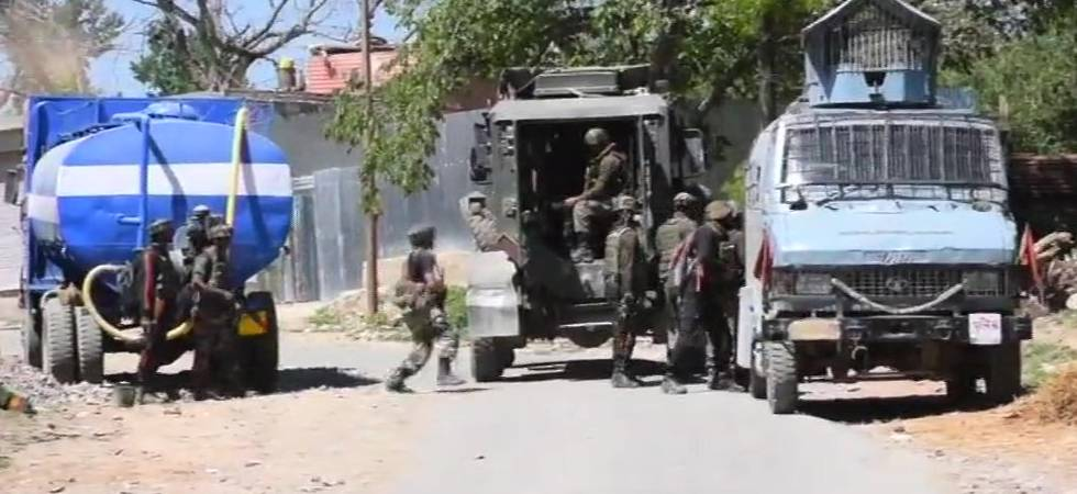 Jammu and Kashmir: Encounter breaks out in Pulwama; two jawans injured