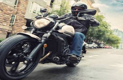 2018 Kawasaki Vulcan S launched in Pearl Lava Orange. Prices, specs and more