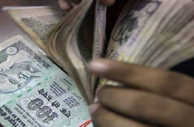 Rupee at 65-66 against dollar reflects 'fair valuation': DEA Secy