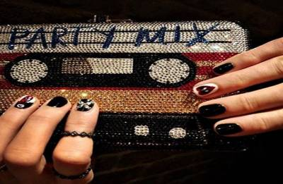 Do you want a 'Deadpool'-inspired manicure? Go the Blake Lively way!