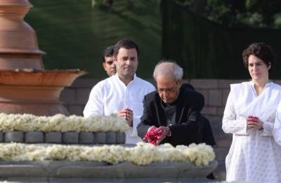 Rajiv Gandhi death anniversary: Rahul, Sonia pay tributes to ex-PM at Veer Bhumi