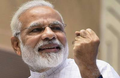 Informal Diplomacy: Modi's bear hugs drawing world leaders nearer to India