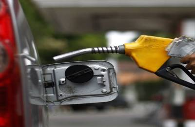 Fuel price continue to soar, hit record high at Rs 85 per litre in Mumbai