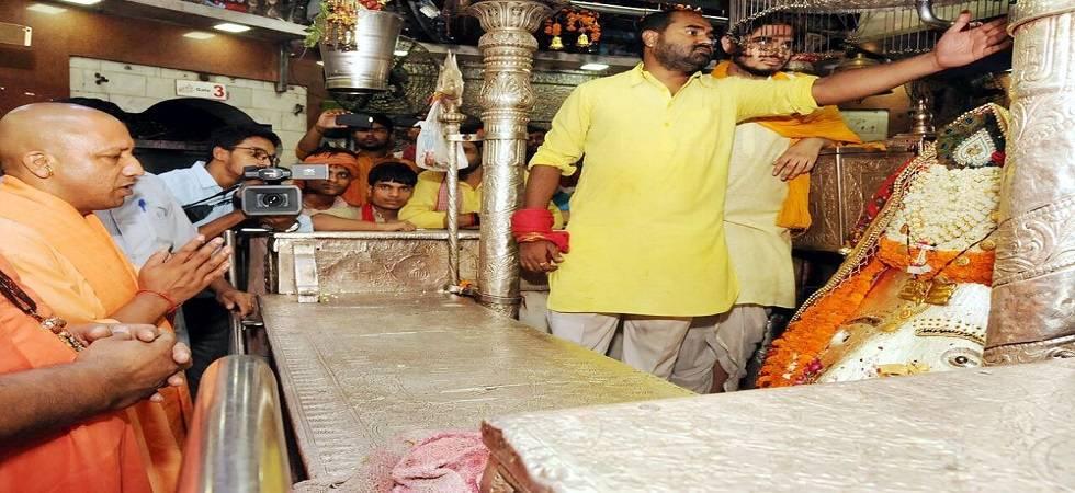 Uttar Pradesh CM Yogi Adityanath offers prayers at Kalkaji Temple